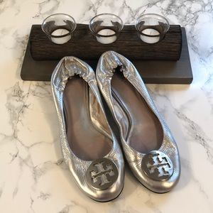 Tory Burch Reva Silver Flats Size 8.5